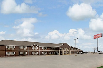 Hotel - Econo Lodge Inn & Suites West