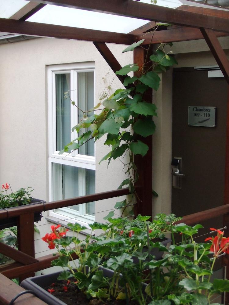 호텔 엘리제 플로베어(Hotel Elysées Flaubert) Hotel Image 49 - Porch
