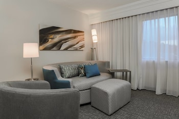 Guestroom at Courtyard by Marriott Orlando Lake Mary/North in Lake Mary