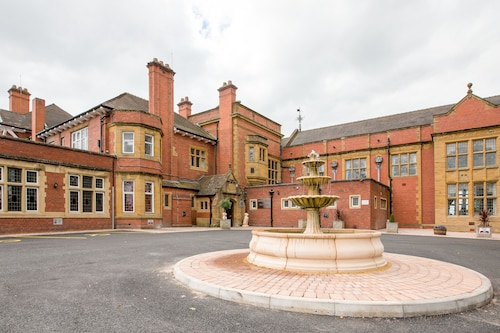 . The Mount Hotel