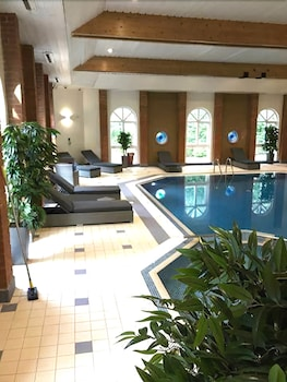 The Hog's Back Hotel & Spa Farnham