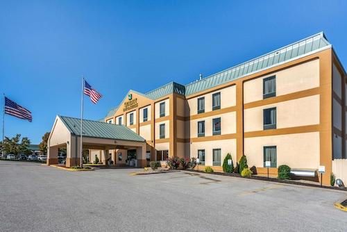 . Quality Inn & Suites Jefferson City