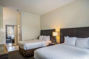Suite, 2 Double Beds, Non Smoking (Interior Corridor)