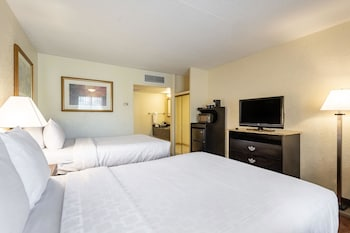 Hotel - Clarion Inn & Suites Clearwater