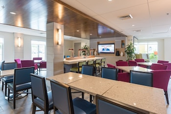 Lobby Lounge at Holiday Inn Express Charleston in Charleston