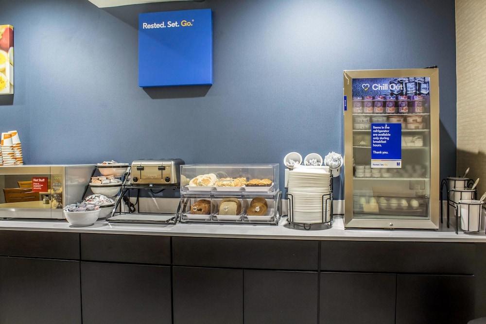 컴포트 인 앙키니 - 디모인(Comfort Inn Ankeny - Des Moines) Hotel Image 18 - Breakfast Area
