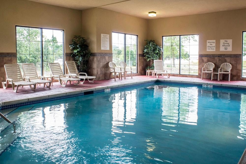컴포트 인 앙키니 - 디모인(Comfort Inn Ankeny - Des Moines) Hotel Image 7 - Pool