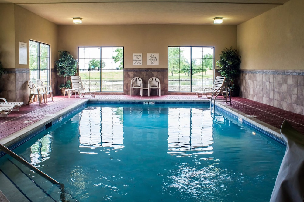 컴포트 인 앙키니 - 디모인(Comfort Inn Ankeny - Des Moines) Hotel Image 8 - Pool