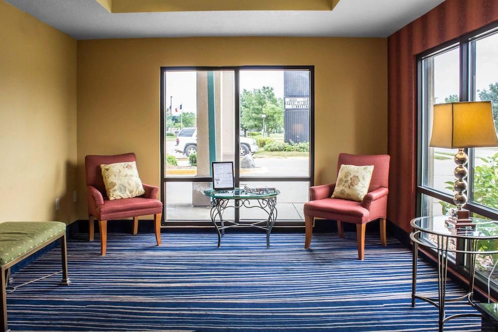 컴포트 인 앙키니 - 디모인(Comfort Inn Ankeny - Des Moines) Hotel Image 3 - Lobby
