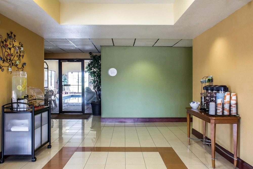 컴포트 인 앙키니 - 디모인(Comfort Inn Ankeny - Des Moines) Hotel Image 4 - Lobby