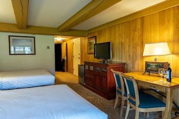 Standard 2 Queen - Lodges