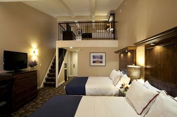 Loft 2 Queen Bed - Lakewood