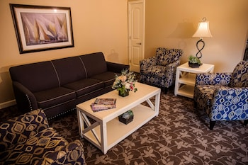 Suite 1 King with Sofabed Lakewood