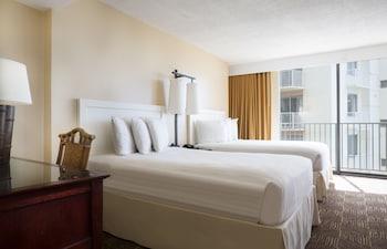 Oda, 2 Çift Kişilik Yatak, Şehir Manzaralı