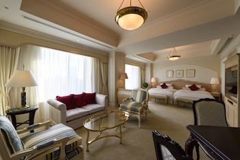 Junior Suite with 2 Extra Beds, 2020