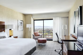 Room, 1 King Bed, View (Santa Monica view)