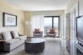 Junior Suite, 1 Bedroom, Non Smoking, View (Santa Monica view)