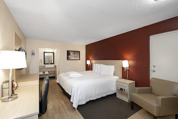 Premium Room, 1 King Bed (Upgraded Bedding & Snack, Smoke Free)