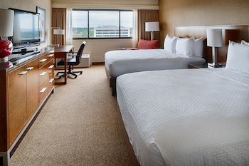Room, 2 Queen Beds, Accessible (Skyline View)