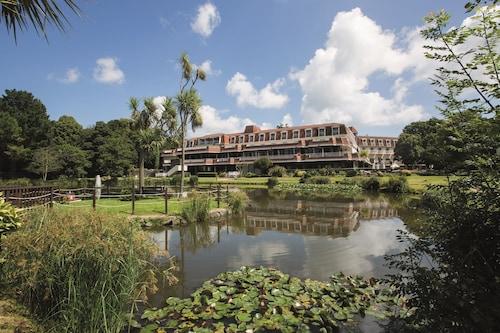 . St Pierre Park Hotel & Golf