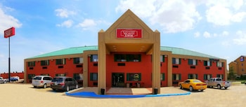 Hotel - Travel Inn & Suites