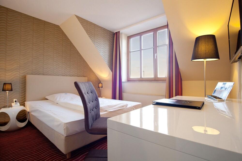 하르처 쿨투어- & 콩그레스호텔 베르니게로데(Harzer Kultur- & Kongresshotel Wernigerode) Hotel Image 6 - Guestroom