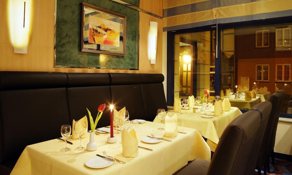하르처 쿨투어- & 콩그레스호텔 베르니게로데(Harzer Kultur- & Kongresshotel Wernigerode) Hotel Image 26 - Restaurant