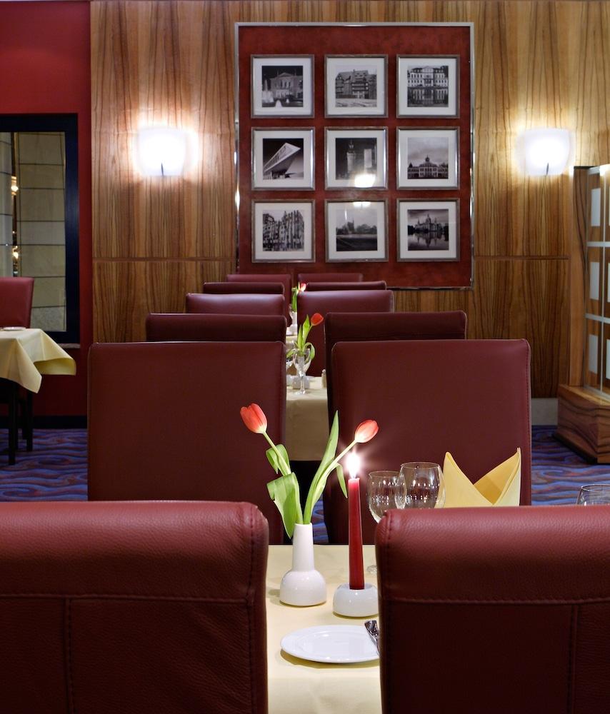 하르처 쿨투어- & 콩그레스호텔 베르니게로데(Harzer Kultur- & Kongresshotel Wernigerode) Hotel Image 28 - Restaurant
