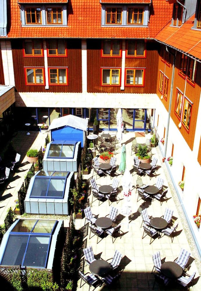 하르처 쿨투어- & 콩그레스호텔 베르니게로데(Harzer Kultur- & Kongresshotel Wernigerode) Hotel Image 42 - Courtyard View