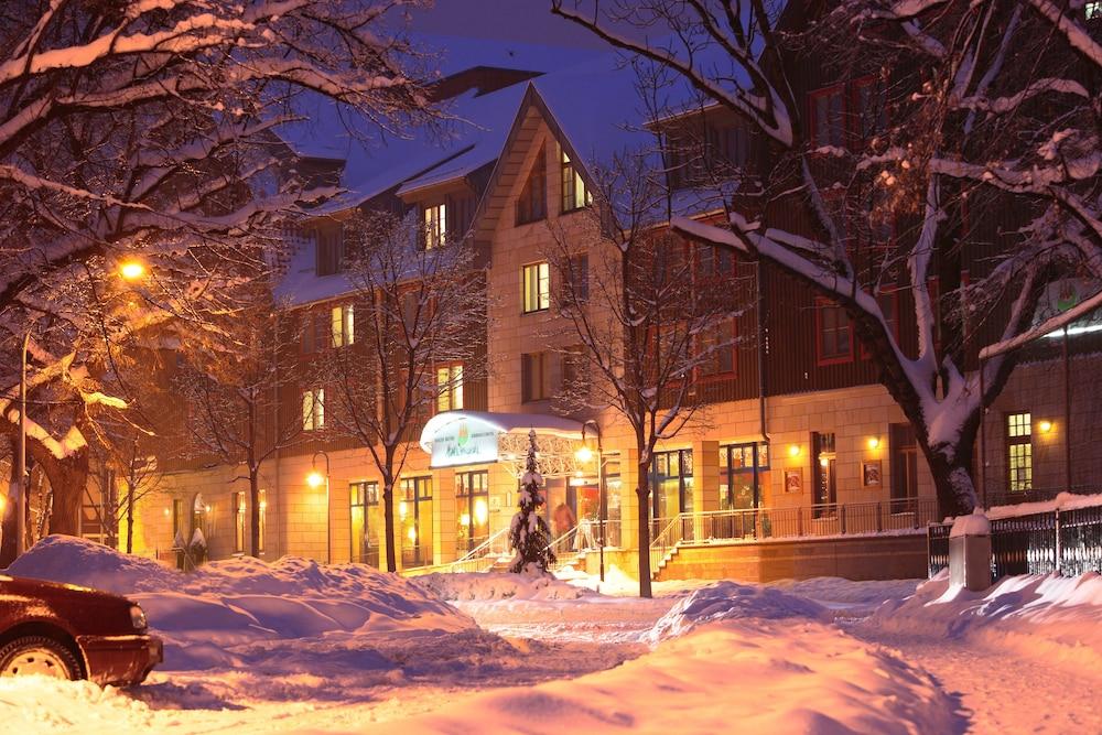 하르처 쿨투어- & 콩그레스호텔 베르니게로데(Harzer Kultur- & Kongresshotel Wernigerode) Hotel Image 41 - Hotel Front - Evening/Night