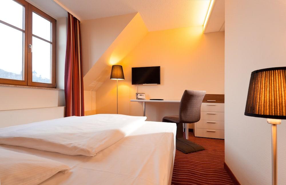 하르처 쿨투어- & 콩그레스호텔 베르니게로데(Harzer Kultur- & Kongresshotel Wernigerode) Hotel Image 5 - Guestroom