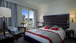 Emeraude Double Room, City View