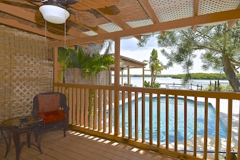 Cottage, Hot Tub, Bay View (SouthWest Room)