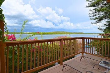 Cottage, Hot Tub, Bay View (Montego Bay Room)