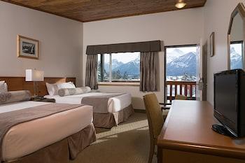 Hotel Room 2 Queen Beds