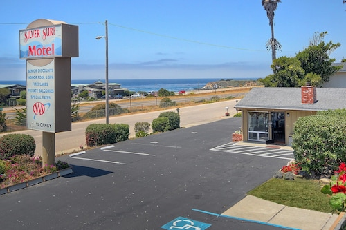 . Silver Surf Motel