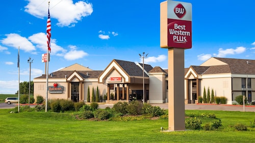 . Best Western Plus York Hotel & Conference Center