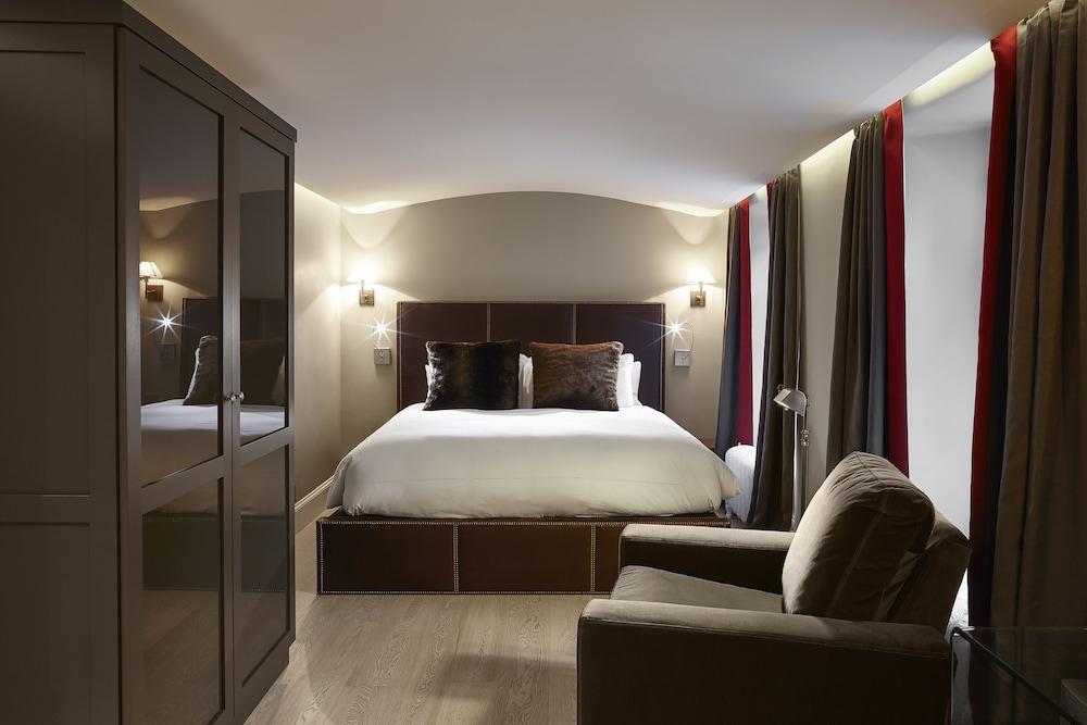 https://i.travelapi.com/hotels/1000000/40000/36500/36480/ecadfdf1_z.jpg