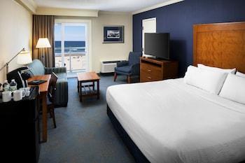 Ocean Front, 1 King Bed, Balcony