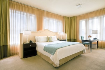 豪華飯店 Hotel deLuxe