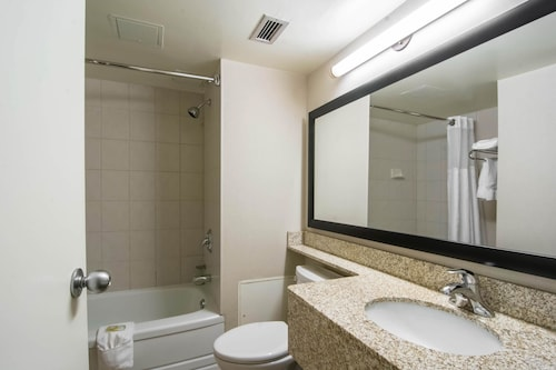 Quality Inn & Suites Yellowknife, Fort Smith