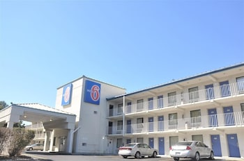 Motel 6 Raleigh Southwest - Cary photo