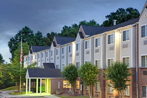 . Microtel Inn by Wyndham Charlotte/University Place