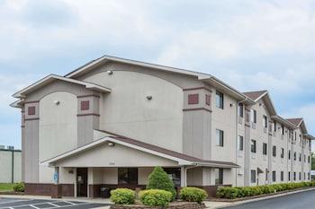 Hotel - Super 8 by Wyndham Danville VA