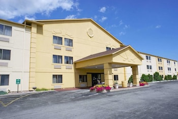 Hotel - La Quinta Inn by Wyndham Milwaukee Glendale Hampton Ave