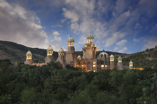 . The Palace of the Lost City at Sun City Resort