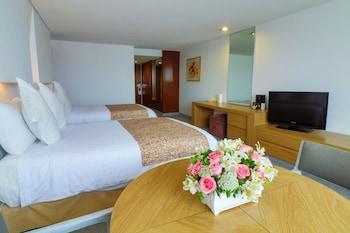 Hotel - Del Prado Hotel