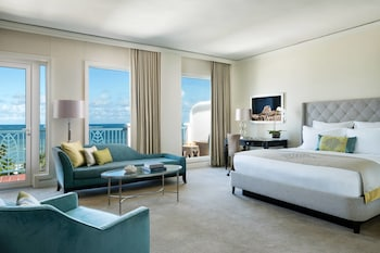 Junior Suite, 1 King Bed, Balcony, Ocean View (Club Level)