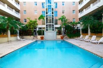 南邁阿密科勒爾蓋布爾斯羅德威飯店 Rodeway Inn South Miami Coral Gables