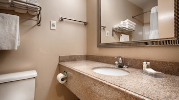 Best Western Dunkirk & Fredonia Inn - Bathroom  - #0